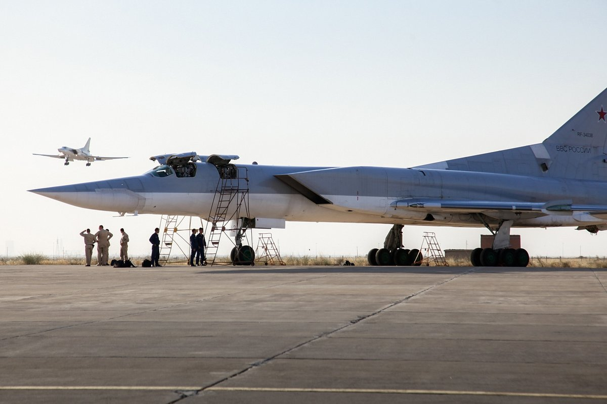 Russian Tu-22M Bombers Spotted at Hamadan Air Base in Iran (Photos, Maps, Analysis)