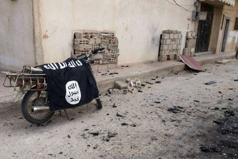 ISIS Leader Flees after Robbing Treasury