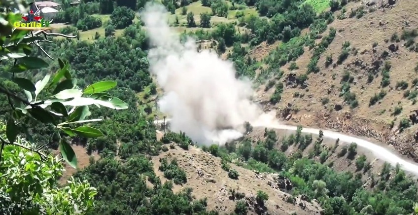 Rebels Blow Up Turkish Armored Car (Video)
