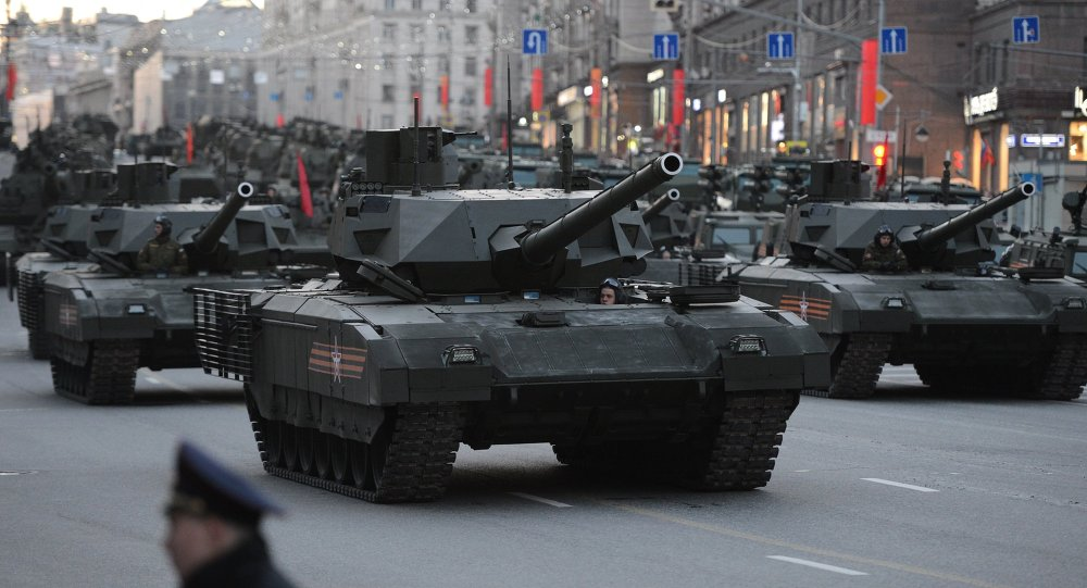Russian Military Gets First Batch of T-14 Armata Tanks