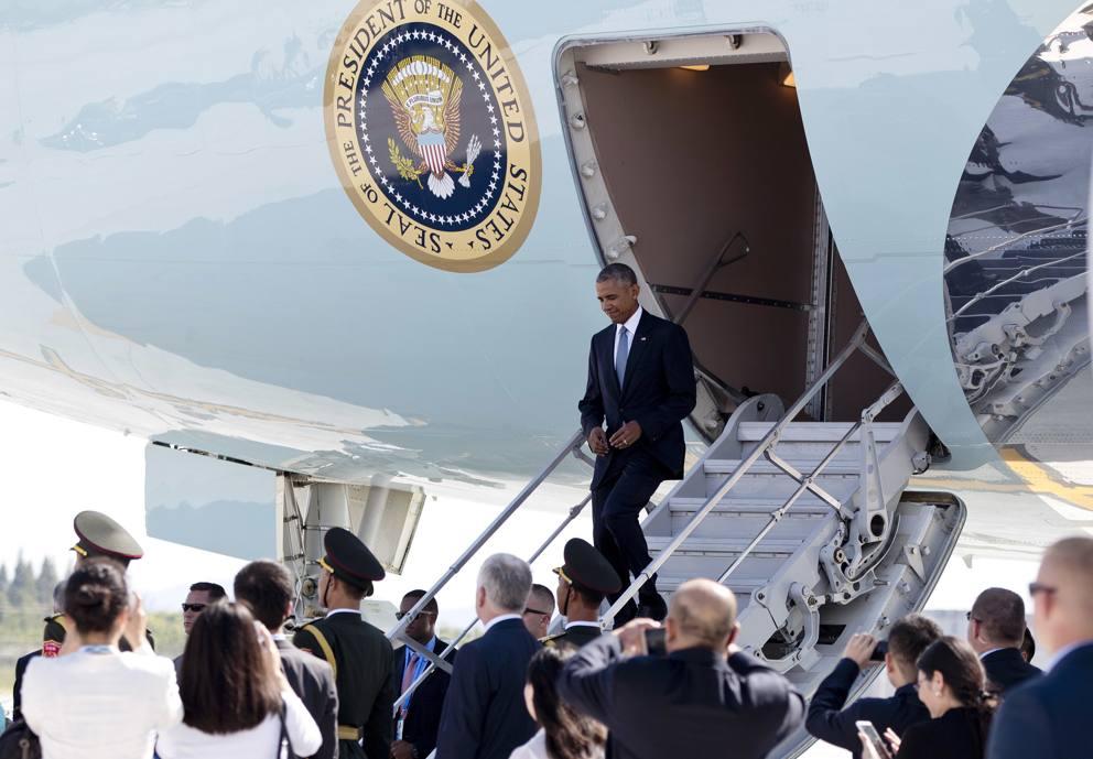 Humiliating Reception: No Ladder & Accompanying Delegation for Obama at G20 Summit (Photo & Video)