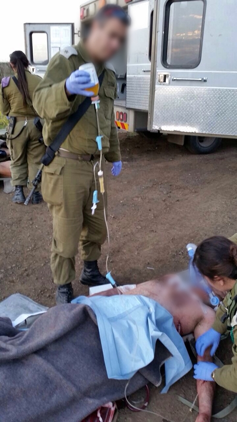 Israeli Soldiers Provide Initial Care to Wounded Terrorists near Quneitra (Photos)