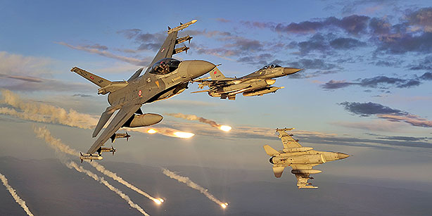 BREAKING: US Planes Hit Syrian Government Forces - Many Casulaties