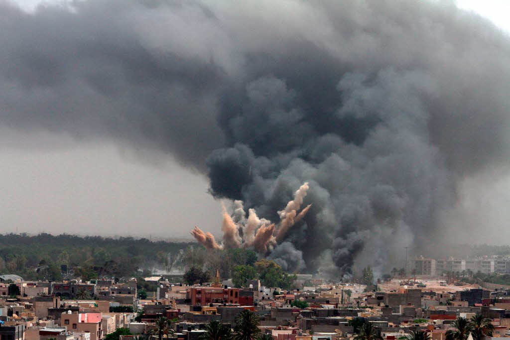 At Least 18 Civilians Killed by Saudi Airstrikes Across Yemen During Past 24 Hours