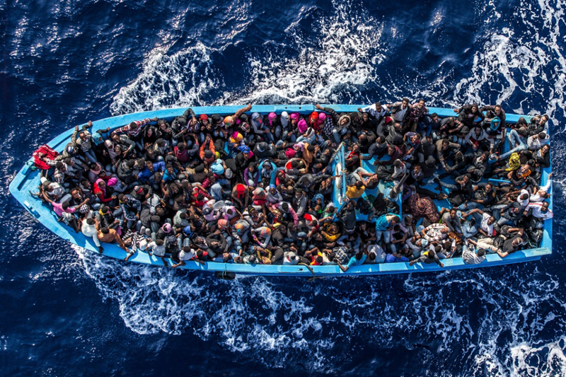UNHCR: Over 300,000 Refugees Crossed Mediterranean Sea This Year