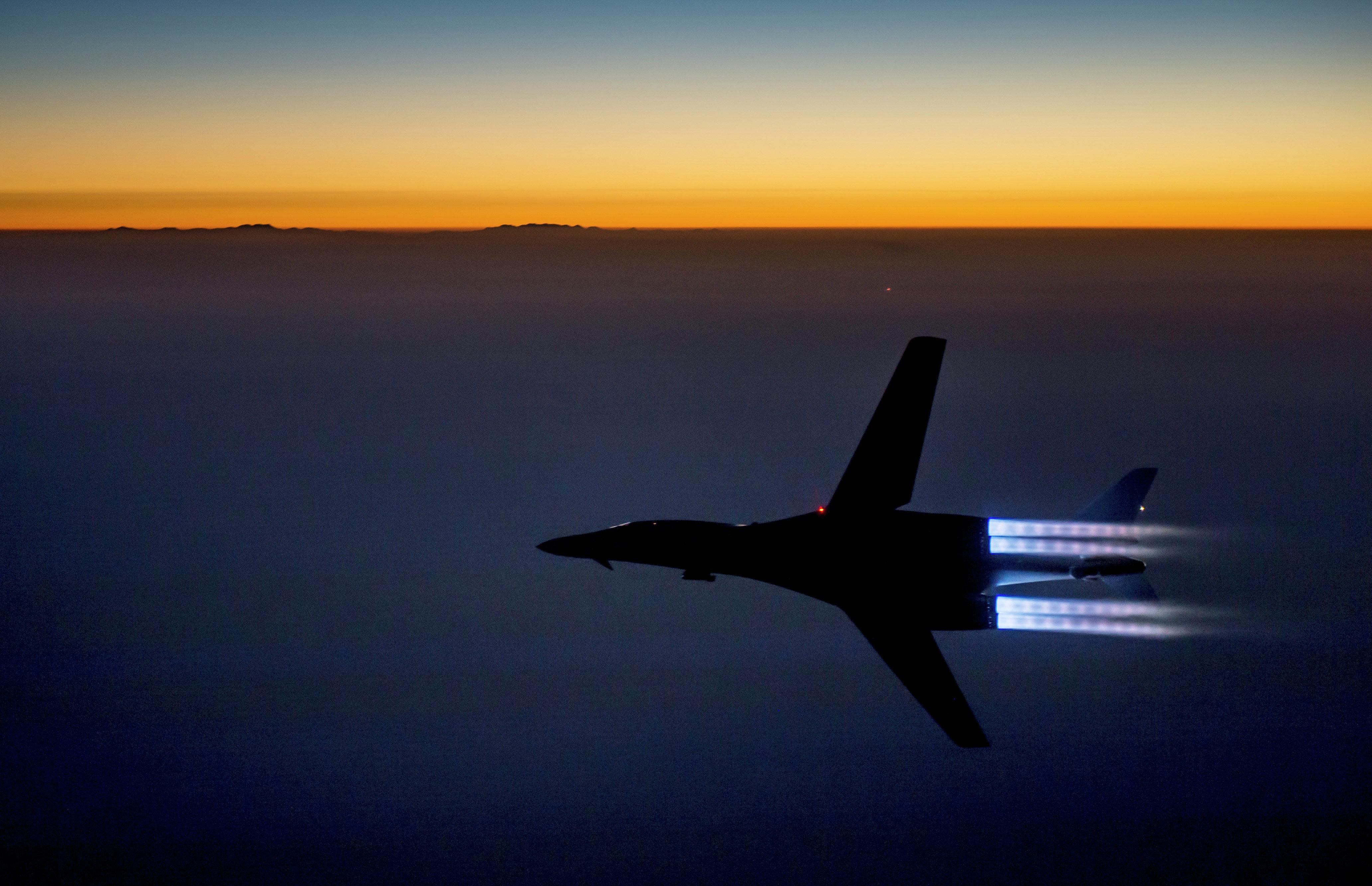 US Coalition Air Strike 'Accidentally' Kills 20 Pro-Govt Iraqi Fighters near Mosul