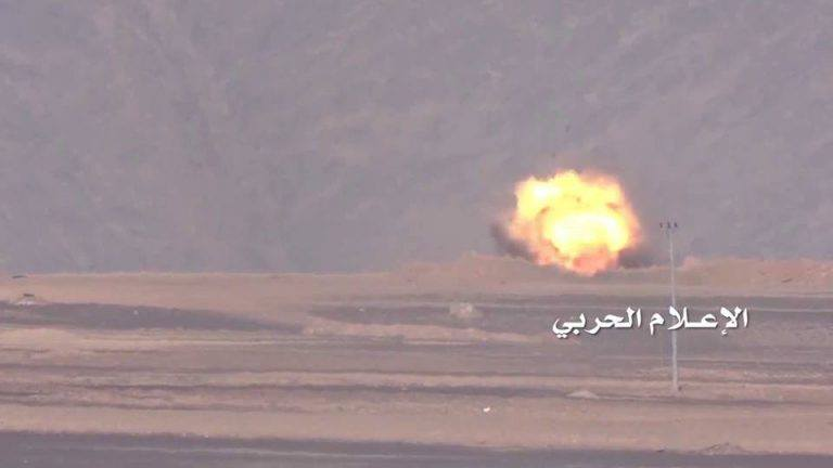 Footage: Saudi Coalition Lost 3 Battle Tanks in Clashes with Houthis in Yemen