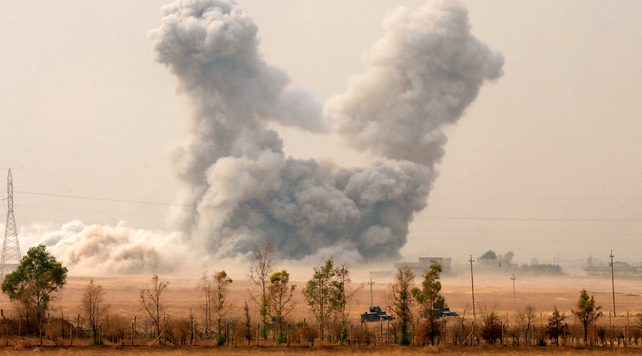 60 Civilians Killed, 200 Injured as US-led Coalition Strikes Mosul Residential Areas