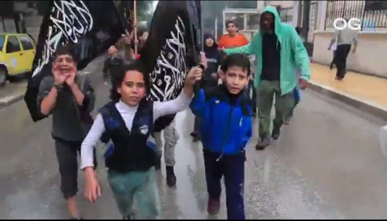 'Moderate Rebels' Besieged in Eastern Aleppo Show Their Real Face, Wave Al-Nusra (Al-Qaeda) Flags - Photos