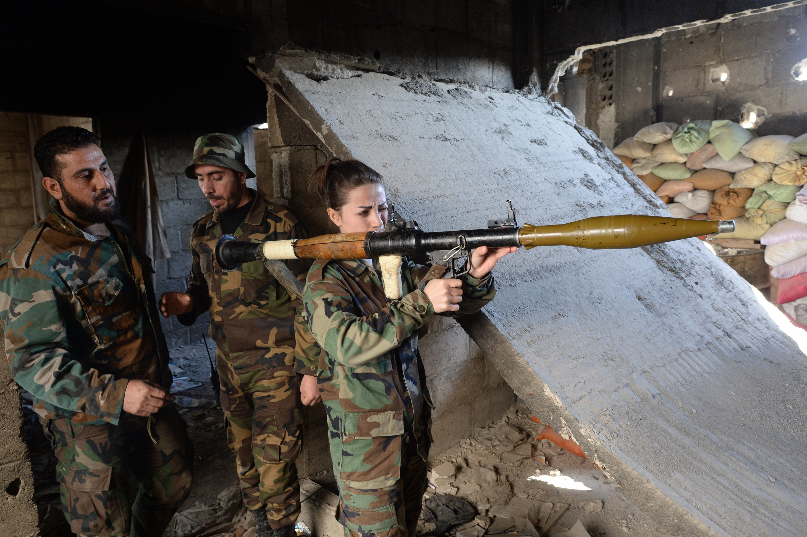 Syrian Army on the verge of encircling the Islamist rebels at key East Ghotua town