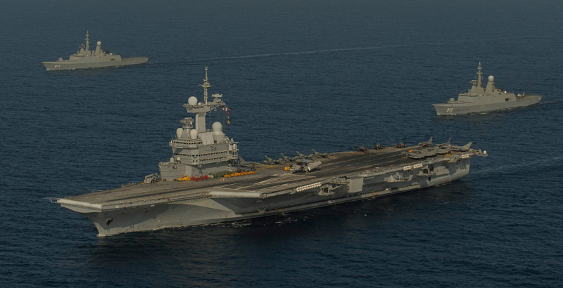 Fighter Jets of French Charles de Gaulle Aircraft Carrier carries out airstrikes on ISIS Terrorists (Video)