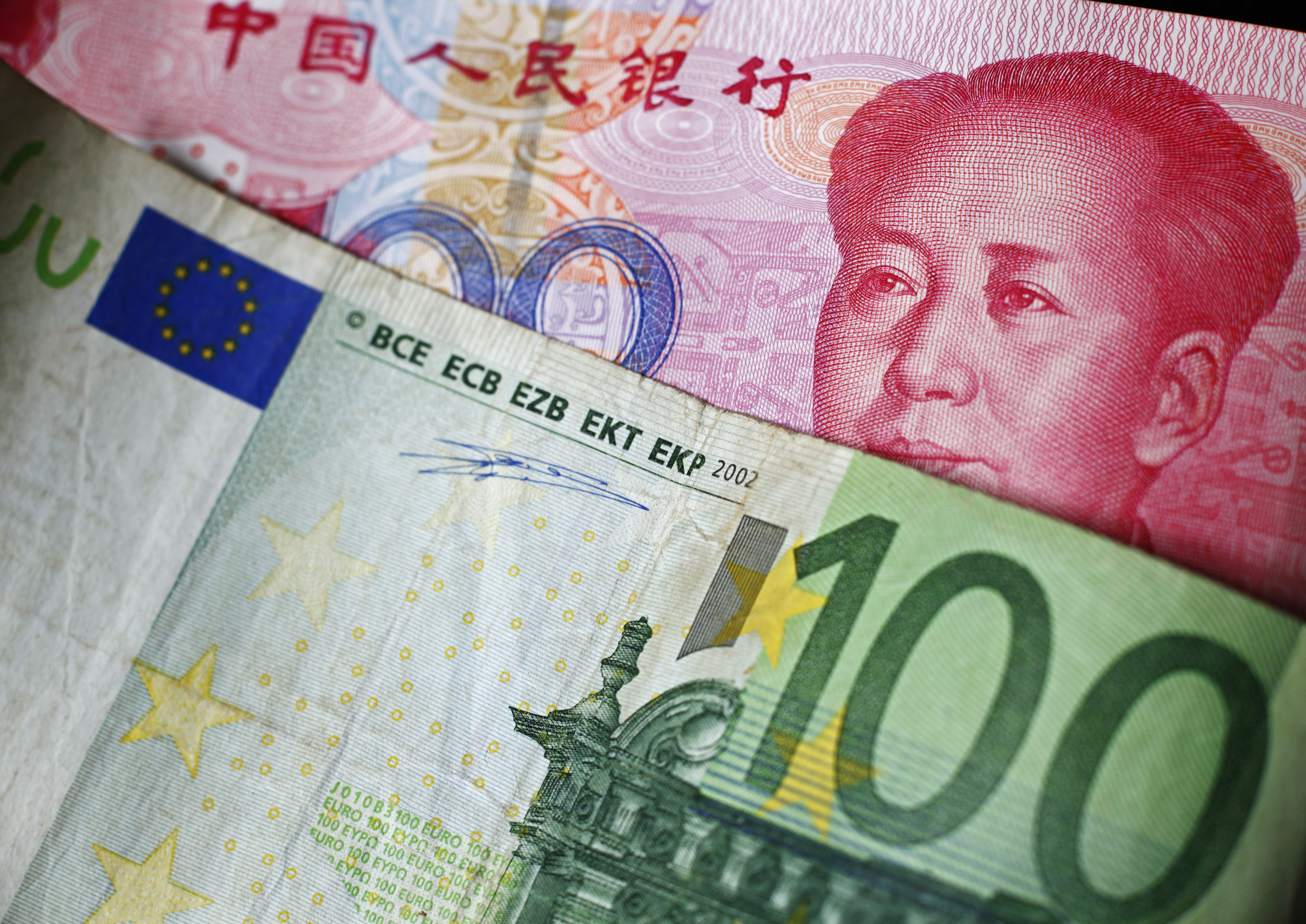 """Partners in the East: China Attracts Europe with the """"New Silk Road"""""""