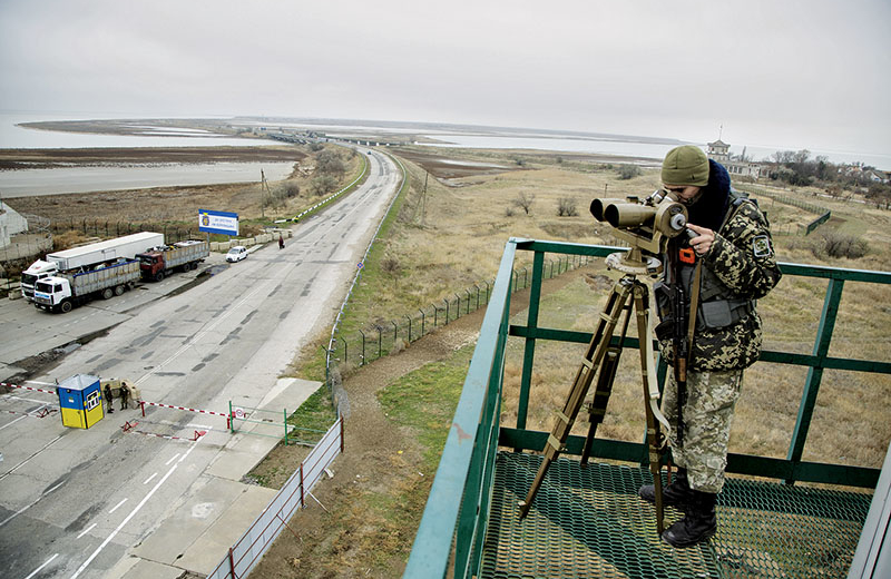Ukraine Abducted Two Russian Soldiers from Crimea
