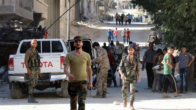 600 Civilians Flee Rebel-held Aleppo in One Day (Video)