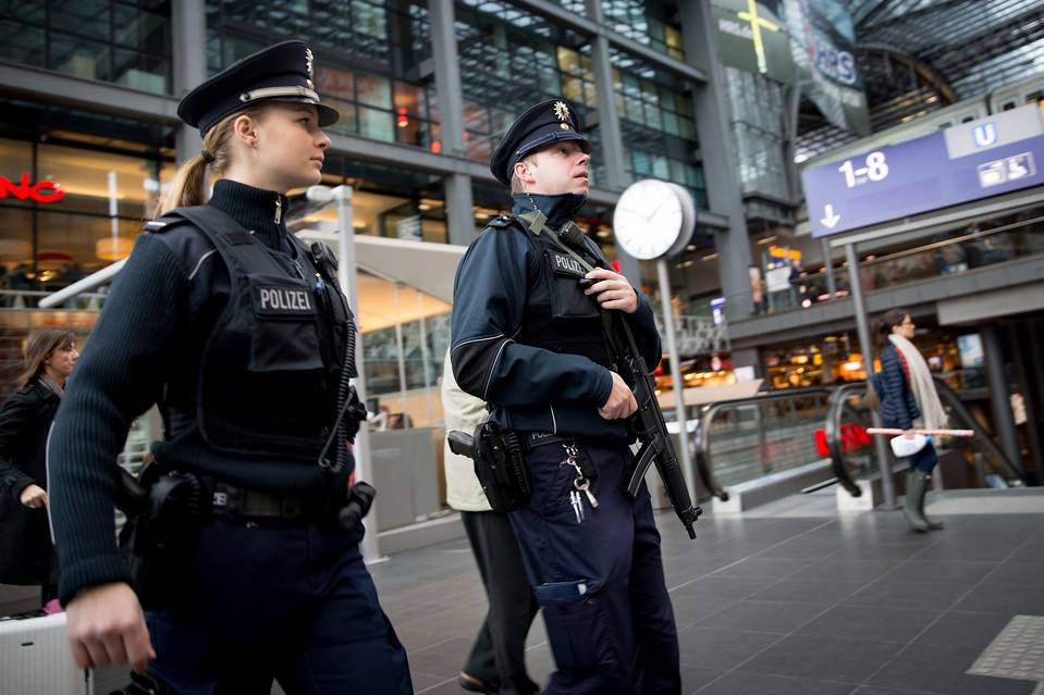 Massive Special Op against Islamists Carried Out in 60 German Cities