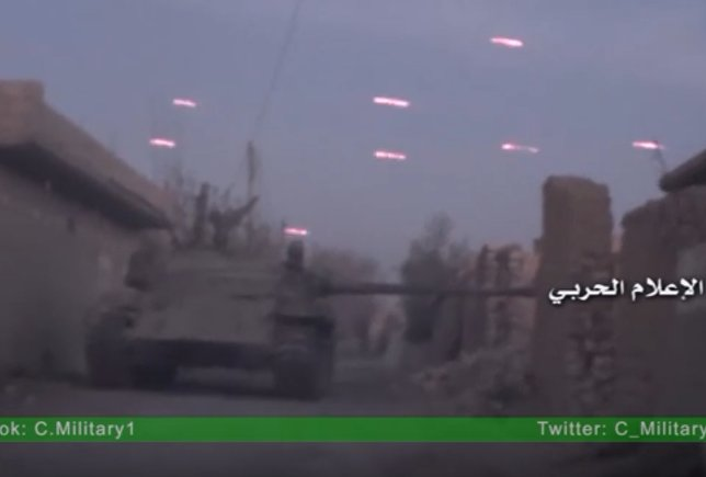 Footage: Heavy Clashes below Syrian Army and ISIS in Deir Ezzor