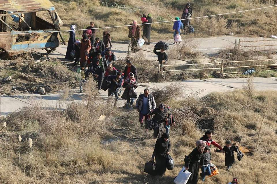 Over 10,000 Civilians Fled from Militant-Held Parts of Aleppo City (Videos)