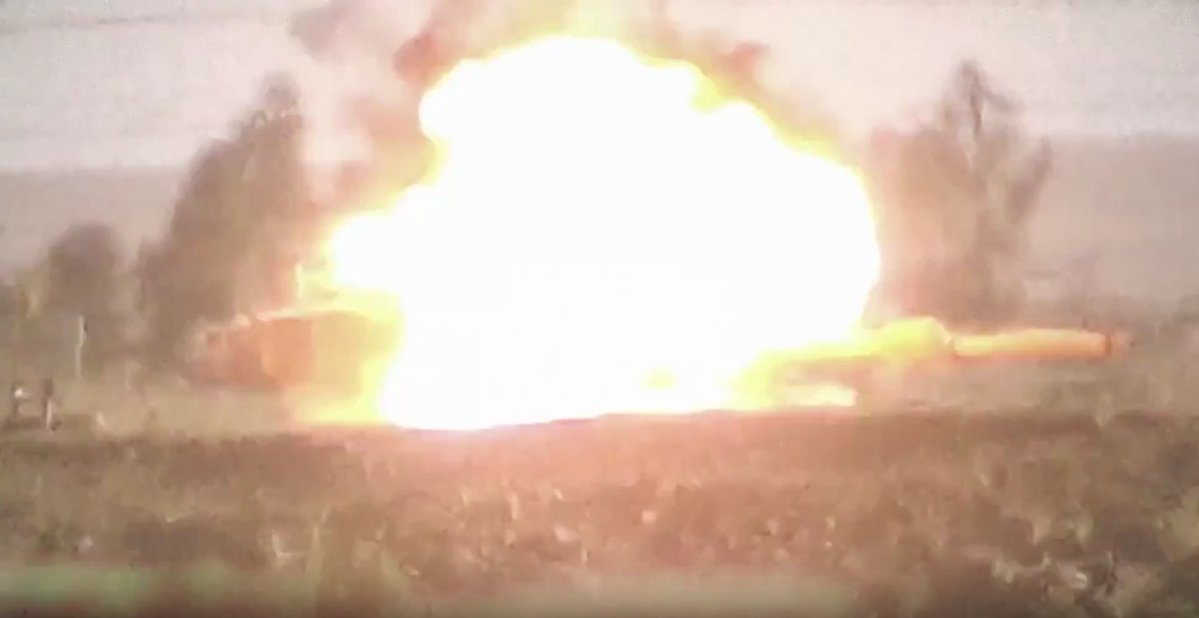 Another US-made Abrams Battle Tank Hit by ISIS Guided Missile near Mosul - Photos