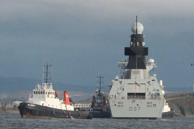 British Destroyer Tracking Admiral Kuznetsov Breaks Down (Photos)