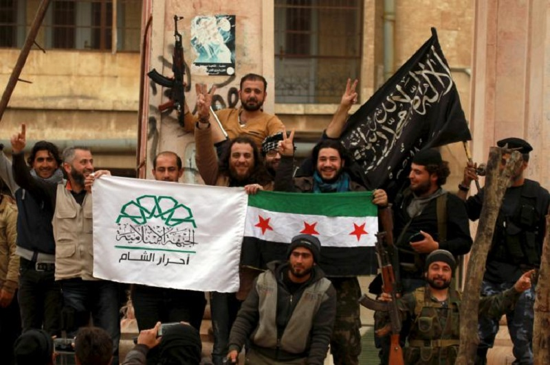 """Pentagon Vows Support to """"Tens of Thousands of Syrian Oppositionists Fighting against ISIS"""""""