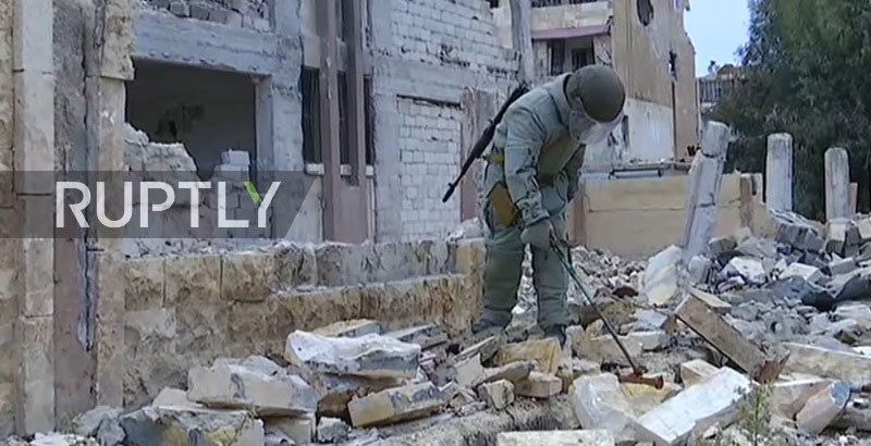 Russian Sappers Start Mine Clearance Operation in Aleppo (Video)