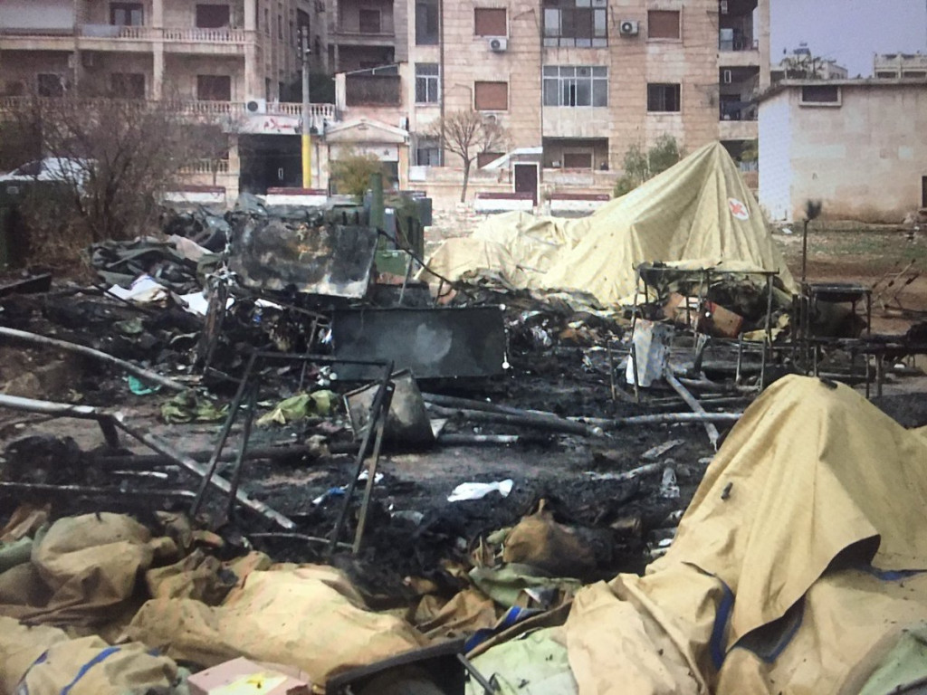 2 Russian Paramedics Killed 1 Injured In Aleppo. Ministry of Defense Says Militants Hand Exact Coordinates for Attack