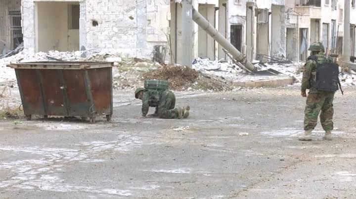 Russian and Syrian Engeneering Units Demine Masaken Hanano of Aleppo City (Photos)