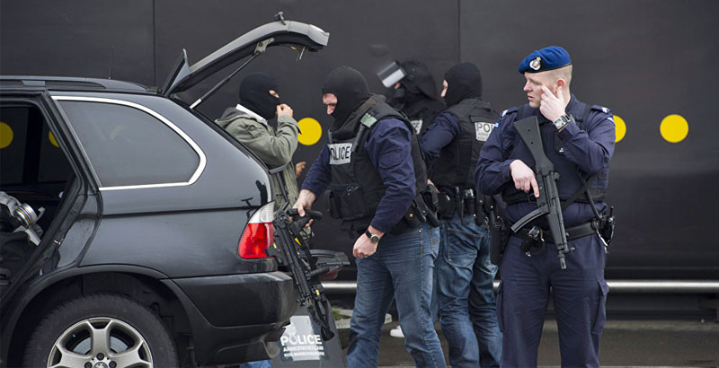 Terrorist Attack Plotter with Assault Rifle & ISIS Flag Arrested in Netherlands