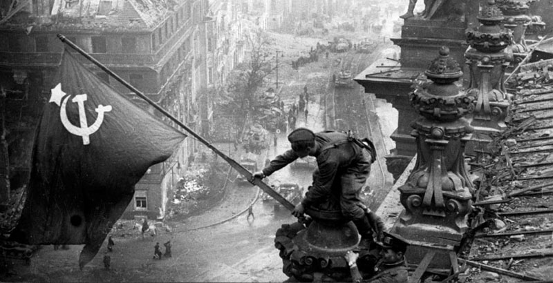 Russia Recreates Idritsa-Berlin Motor Rifle Division Hoisted Flag of Victory over Reichstag in 1945