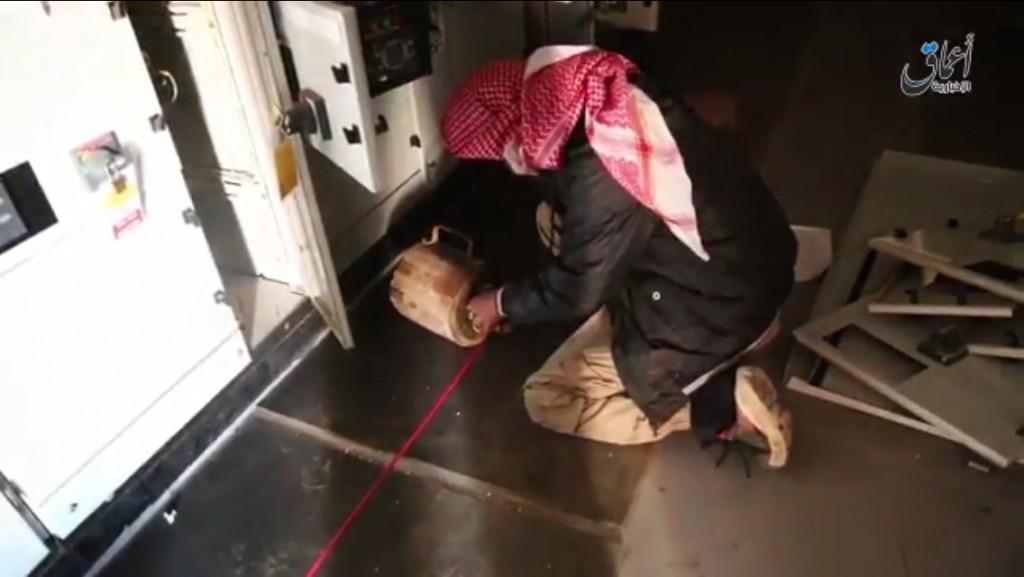ISIS Blew Up Bin Hayyan Gas Company Near Palmyra (Photos)