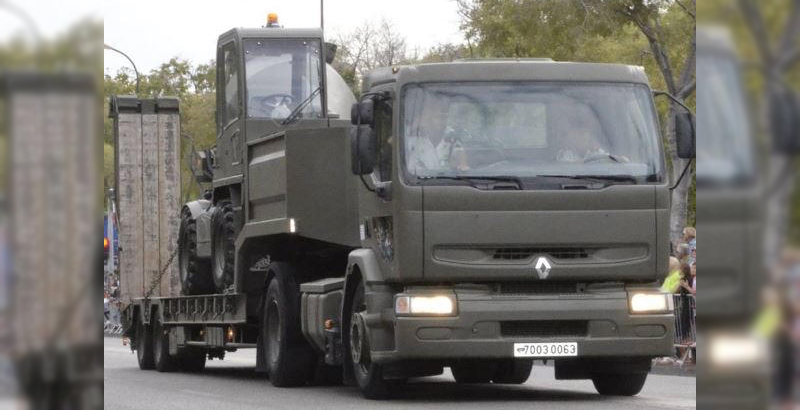 French Car Thieves Steal French Air Force's Truck with Bulldozer