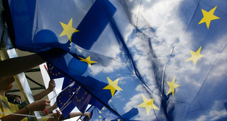 """EU Lawmakers Urge """"Federal Union"""" For European States... Or Else"""