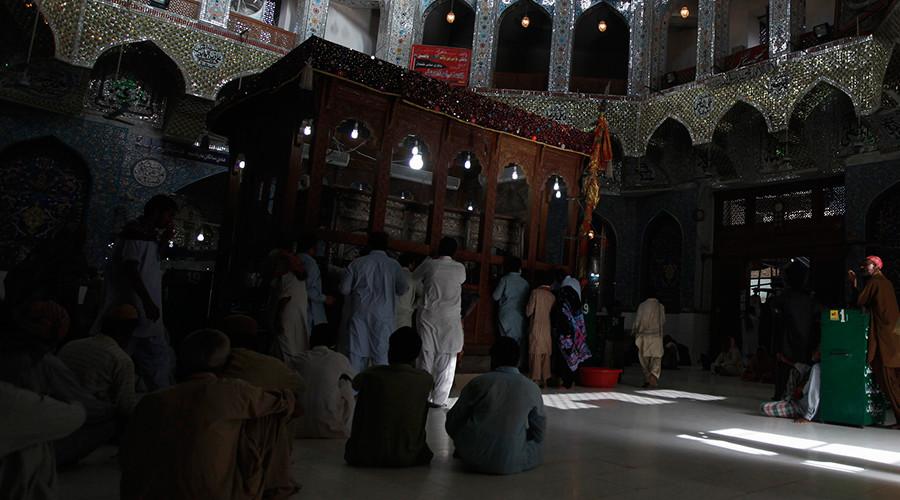 FILE PHOTO: Lal Shahbaz Qalandar, in Sehwan Sharif, in Pakistan's southern Sindh province © Akhtar Soomro / Reuters