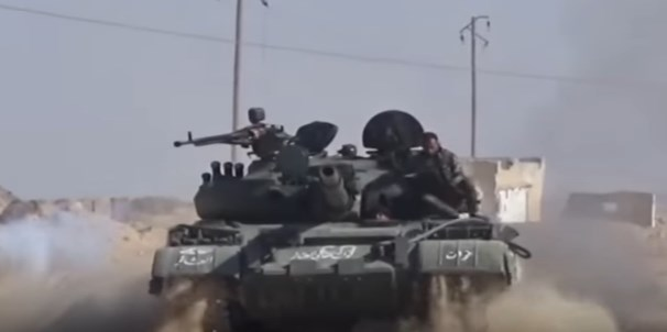 Footage: Syrian Army Clashing With ISIS In Homs Desert