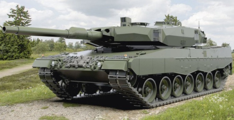Polish Army Receives Upgraded Leopard 2A4 Battle Tank