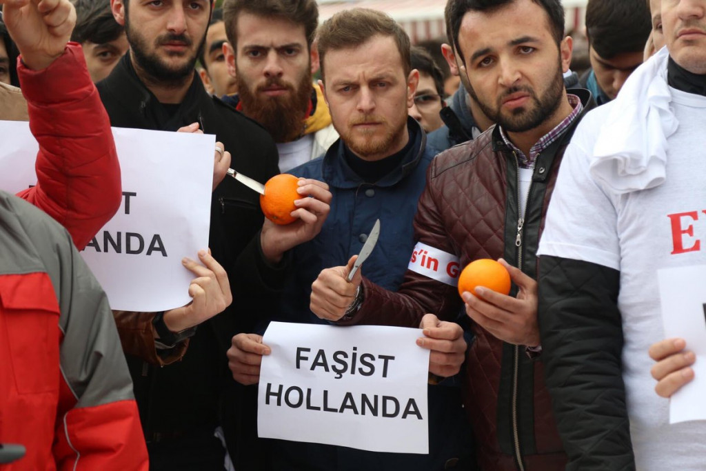 """Nazi Dogs"": Turkey Prepares Sanctions Against The Netherlands"
