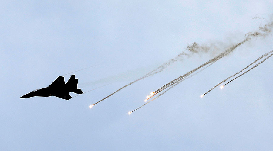Israeli Warplanes Deliver Airstrikes Against Syrian Army Targets In Damascus Countryside - Media