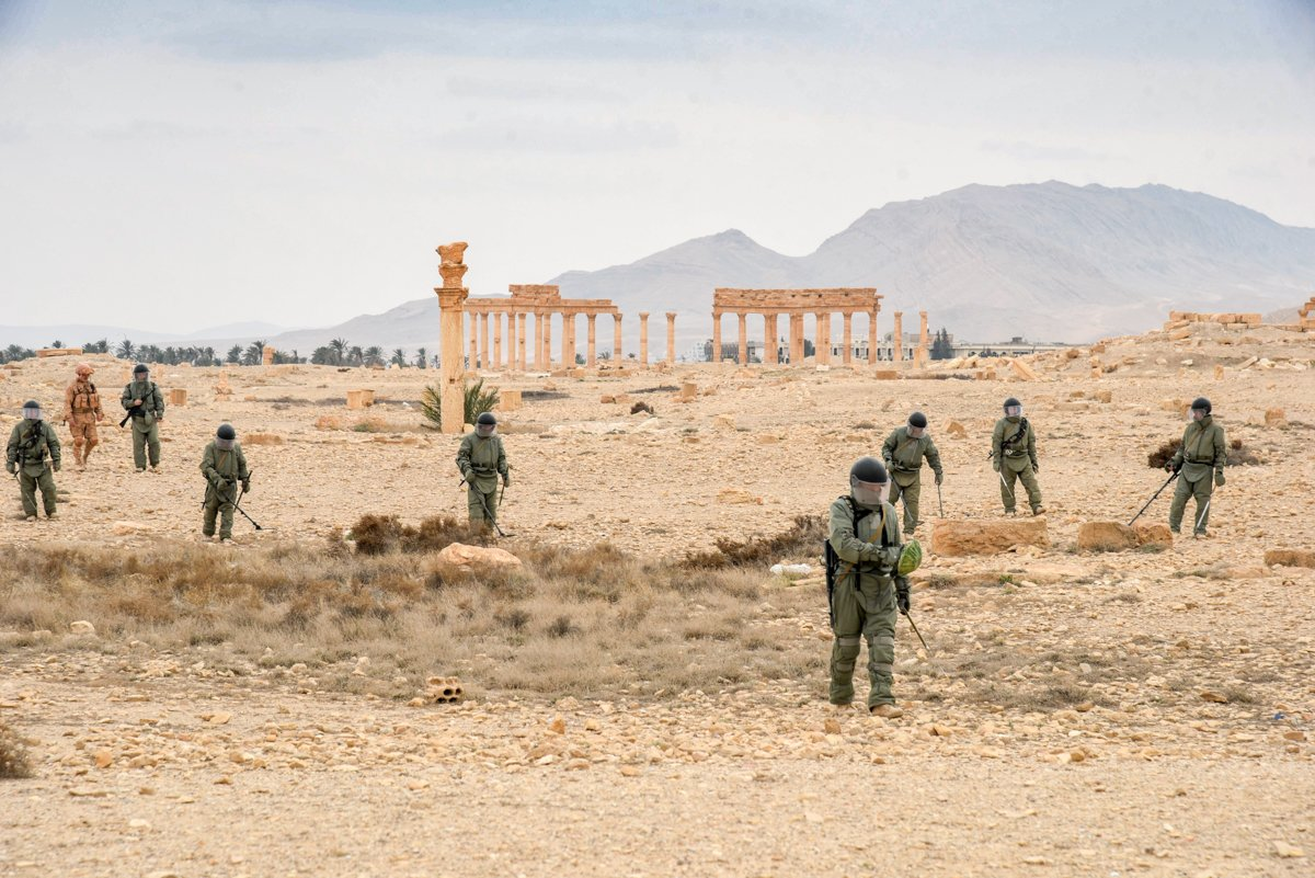 Russian Servicemen Finished Removing IEDs In Palmyra