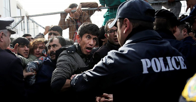 """""""We've Reached Our Limits"""" - Greece Begins Blocking Refugees"""