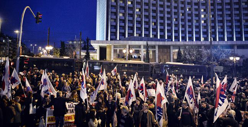 Greeks Protest as Government & Creditors Discuss New Austerity Measures