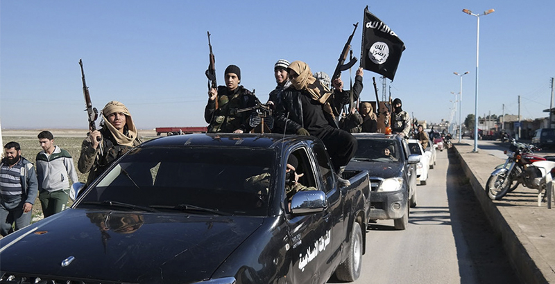 ISIS Actively Prepares for Protracted Defense of Raqqa