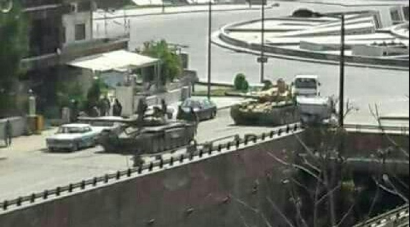 Government battle tanks deployed to the area. Source: @QalaatAlMudiq/Twitter