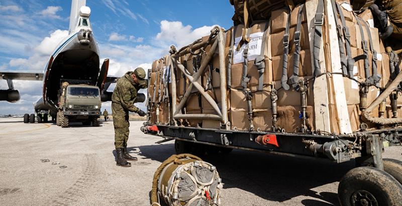 Syrian Residents in Deir ez-Zor, Aleppo, Dara`a & Hama Get Humanitarian Aid from Russian Military & UN