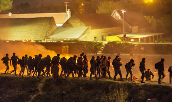 French Migrant Camp Burns to Ground after Massive Brawl (Photo, Video)