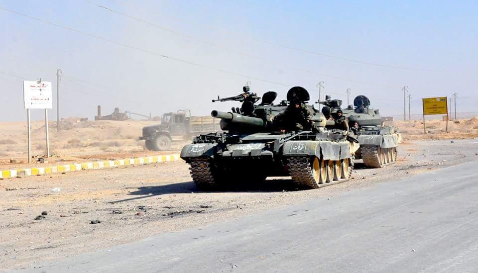 シリア軍の戦車はアブQilaダムの戦いです。 出典:@ tareksali1 /ツイッター