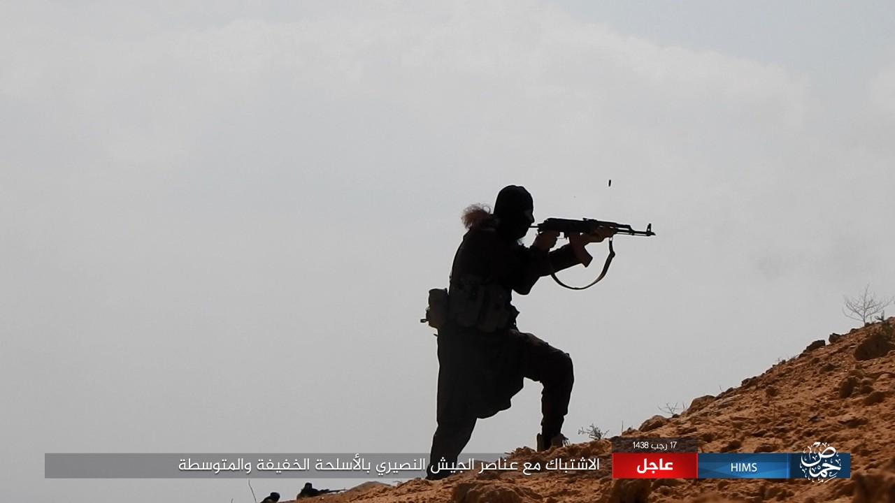 Syrian Army Resumes Advance Against ISIS Towards Arak Gas Field Near Palmyra