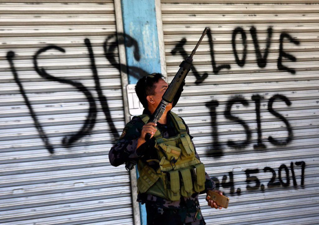 ISIS Repels Army Attack, Captures Weapons And Equipment In Marawi (Photos)