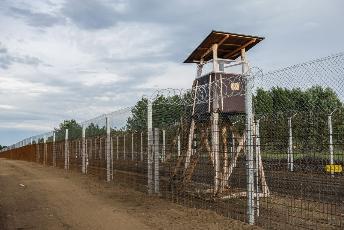 Hungary's Border Wall To Stop Migrants: Electrocution Warning Signs, Watch Towers And Armed Guards