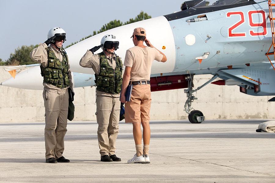 Russian Warplanes Destroyed Three ISIS Convoys Fleeing Raqqa. 80 Terrorists Killed - Russian MoD