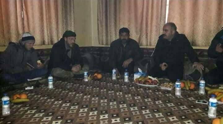 シリア軍にトルコ主導のユーフラテスシールド力から亡命60ファイターズ